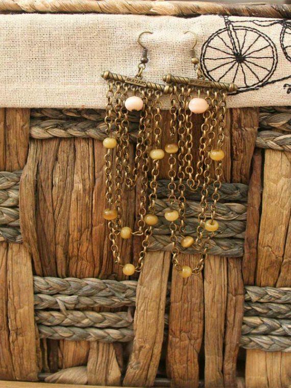 گوشواره دست ساز زنجیر و مهره های سنگ مصنوعی