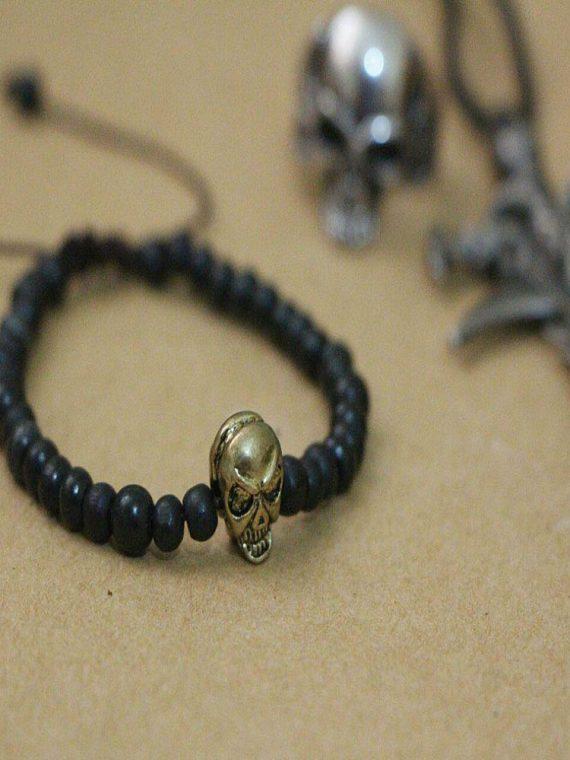دستبند اسکلت با مهره چوبی