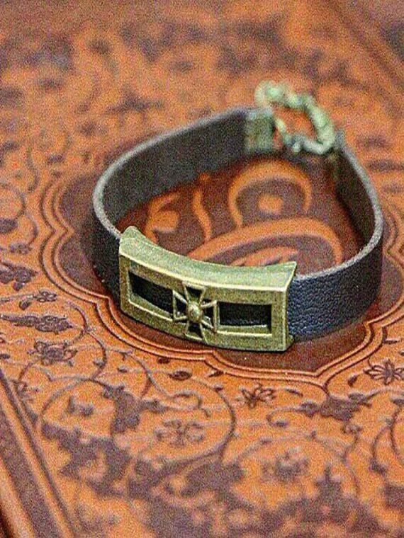 دستبند دست ساز چرم طبیعی