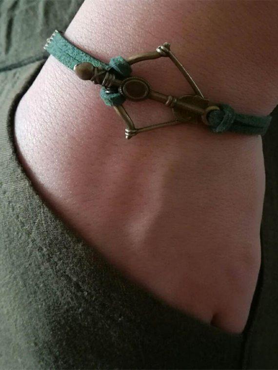 دستبند دست ساز چرم مصنوعی و زنجیر