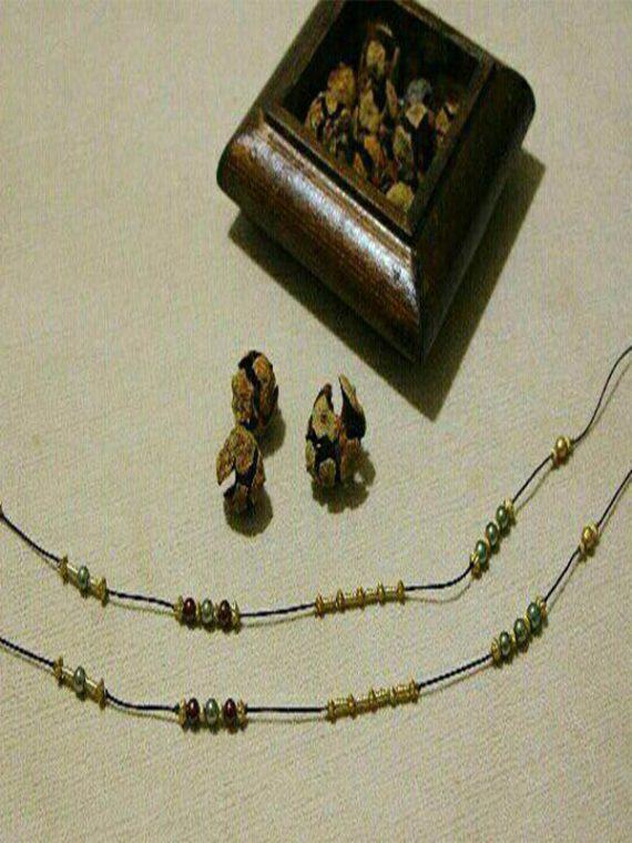 بند عینک دست ساز مهره و بند طلایی