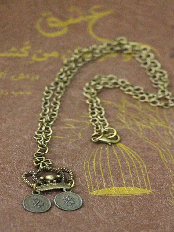گردنبند زنجیر و پلاک تاج